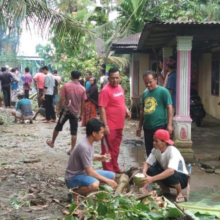 Gotong Royong Masyarakat Jorong Kampung Talawi