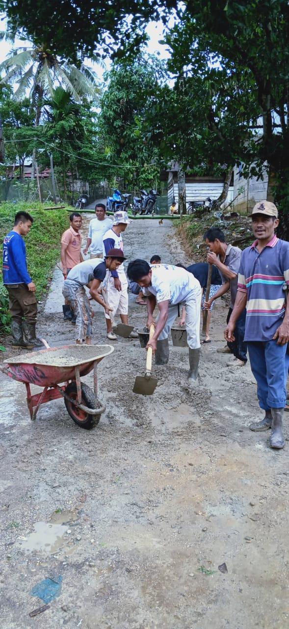 Gotong Royong Masyarakat Jorong Kampung Dalam